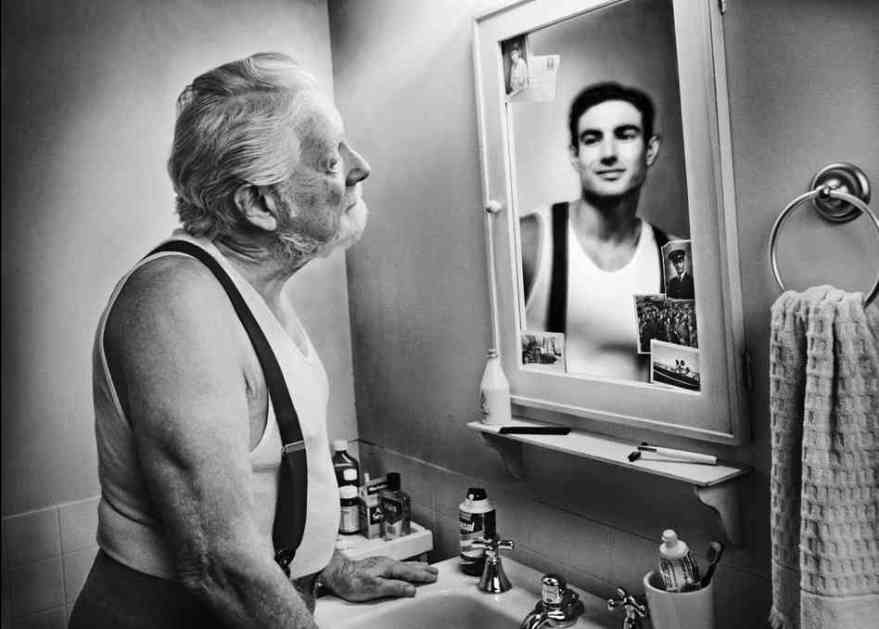 reflection-in-mirror